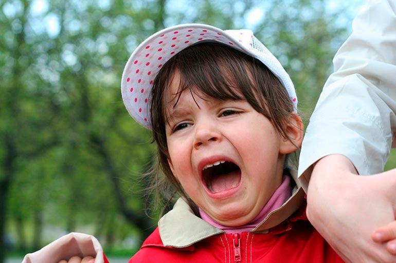 Каким образом можно предупредить детские истерики.