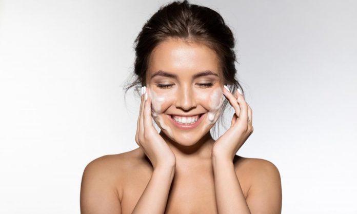 Как очистить кожу лица в домашних условиях.